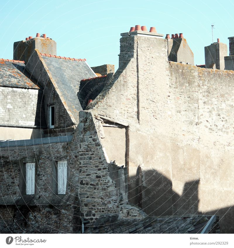 Sky Old City House (Residential Structure) Wall (building) Architecture Wall (barrier) Building Beautiful weather Planning Change Transience Historic