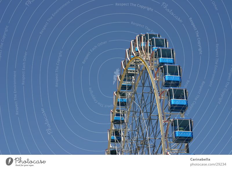 Sky Blue Leisure and hobbies Ferris wheel Amusement Park Driver's cab