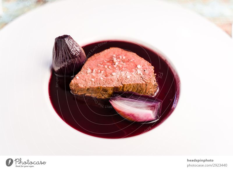 Pink saddle of venison with port wine shallots sauce Food Meat Vension Nutrition Lunch Dinner Buffet Brunch Banquet Business lunch Slow food Plate To enjoy
