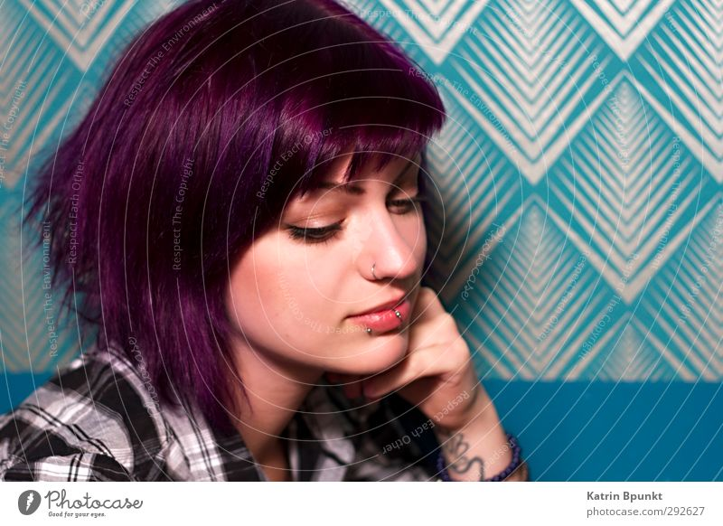 MAYBE Human being Feminine Young woman Youth (Young adults) 1 18 - 30 years Adults Piercing Hair and hairstyles Violet Think Beautiful Uniqueness Blue