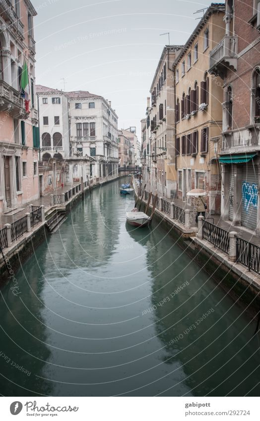 canal piccolo Bad weather Fog Rain Channel Venice Port City Downtown Deserted House (Residential Structure) Traffic infrastructure Lanes & trails Gloomy Town