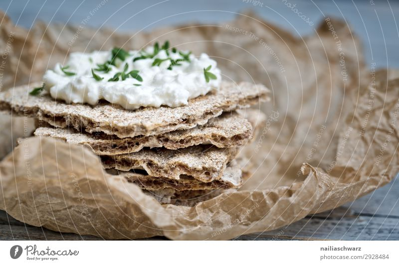 Crispbread with cream cheese Food Yoghurt Dairy Products Bread Herbs and spices Cream cheese Nutrition Organic produce Vegetarian diet Diet Fasting Lifestyle