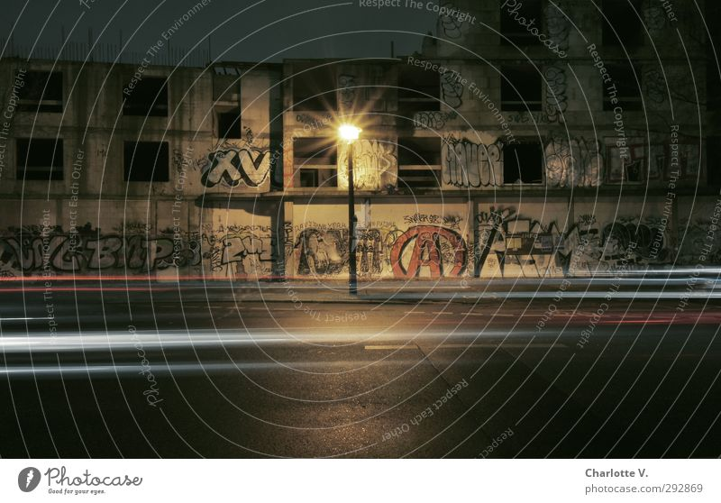 Graffiti Castle II Art Berlin Capital city Downtown Deserted Ruin Building Unfinished building Facade Street Concrete Sign Characters Old Illuminate Threat