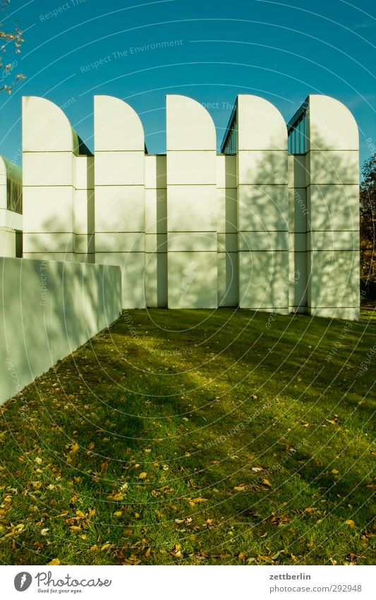 Beautiful White Wall (building) Grass Berlin Architecture Wall (barrier) Building Facade Modern Good Lawn Manmade structures Downtown Museum Tourist Attraction