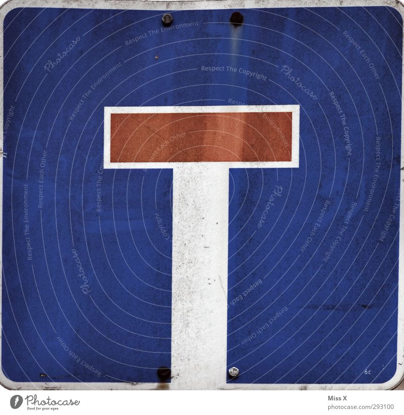 T Characters Signs and labeling Signage Warning sign Road sign Blue One-way street Colour photo Multicoloured Exterior shot Close-up