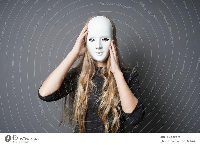 young woman with mask Lifestyle Leisure and hobbies Hallowe'en Human being Feminine Young woman Youth (Young adults) Woman Adults 1 18 - 30 years Stage play