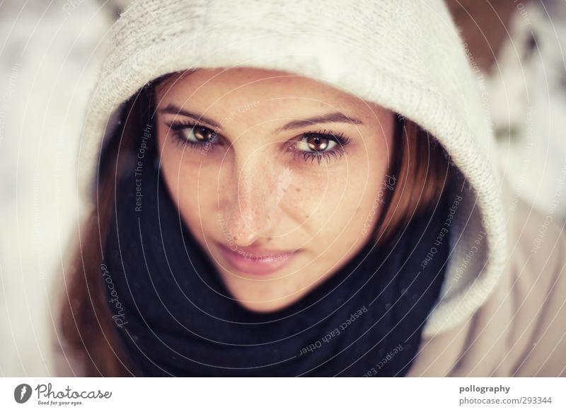 sparkling (1) Human being Feminine Young woman Youth (Young adults) Woman Adults Life Head 18 - 30 years Winter Snow Scarf Hooded (clothing) Emotions Moody