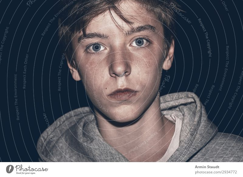Night shot of a teenager Lifestyle Calm Human being Masculine Boy (child) Young man Youth (Young adults) Face 1 13 - 18 years Hooded sweater Simple already