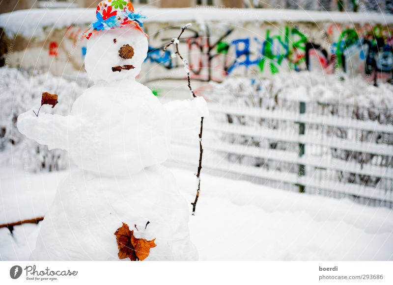 my ... Snow... man. Winter Work of art Garden Park Town Places Playground Graffiti Stand Sadness Wait Exceptional Multicoloured White Unwavering Loneliness