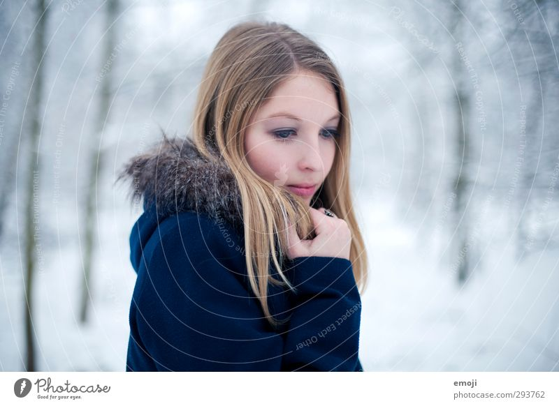 chill Feminine Young woman Youth (Young adults) 1 Human being 18 - 30 years Adults Winter Fur coat Blonde Beautiful Cold Blue Colour photo Exterior shot Day