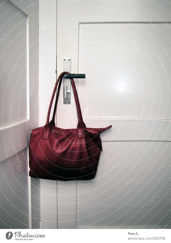 bag Bag Old Modern Feminine Red White Happiness Orderliness Cleanliness Fashion Door Toilet Leather Colour photo Flash photo