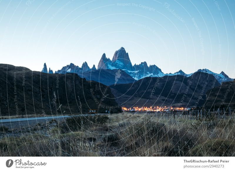El Chaltén - Fitz Roy - Cerro Torre Nature Landscape Blue Brown Black Fitz Roy mountain Light Village Tourism Mountain Patagonia Famousness Snow Moody Dark