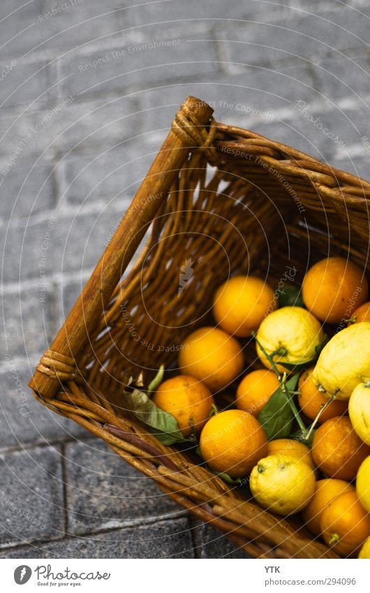 Basket of Orange Food Fruit Nutrition Eating Organic produce Touch Fragrance Shopping Old Esthetic Street Adhesive plaster Sell street sale Trade Markets
