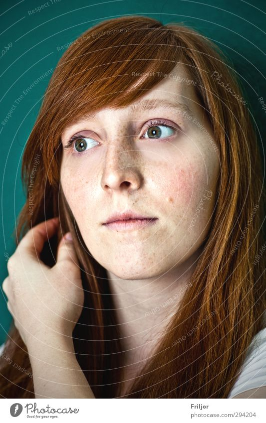 redhead Feminine Young woman Youth (Young adults) 1 Human being 18 - 30 years Adults Red-haired Long-haired Bangs Observe Discover To hold on Looking