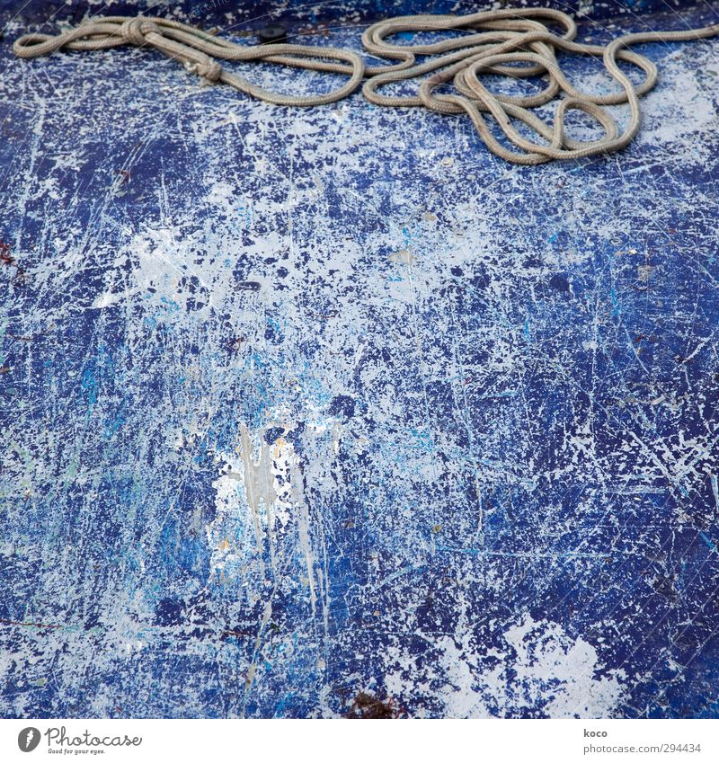 Blue Old White Wall (building) Wall (barrier) Metal Brown Lie Watercraft Broken Rope Simple Construction site Retro Network Dry