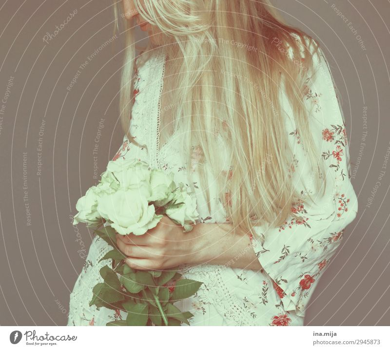 Language of the flower Human being Feminine Young woman Youth (Young adults) Woman Adults 1 Hair and hairstyles Blonde Long-haired White Colour photo