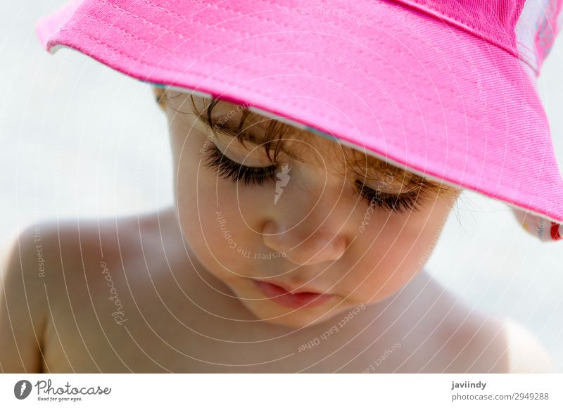 Close-up potrait of adorable little girl wearing sun hat Lifestyle Joy Happy Beautiful Face Summer Sun Child Human being Feminine Baby Girl Woman Adults Infancy