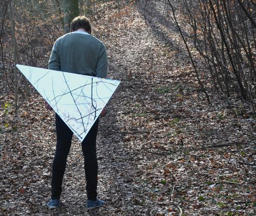 TRIANGLE N°2 Human being Masculine Young man Youth (Young adults) Body Head Back Legs 1 18 - 30 years Adults Environment Nature Spring Tree Forest Pants