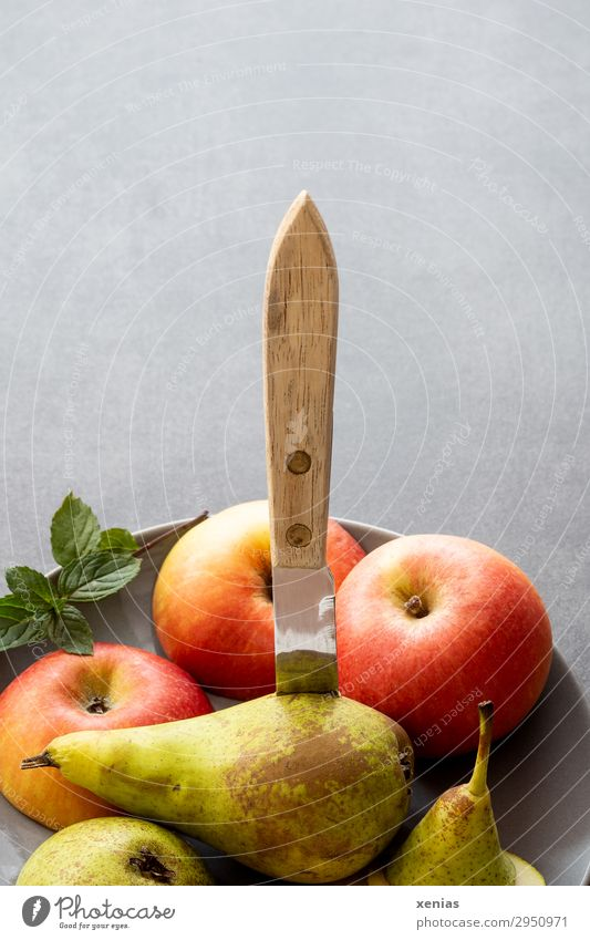 Green Red Healthy Yellow Gray Fruit Sweet Fresh Delicious Organic produce Apple Vegetarian diet Diet Plate Knives Cut