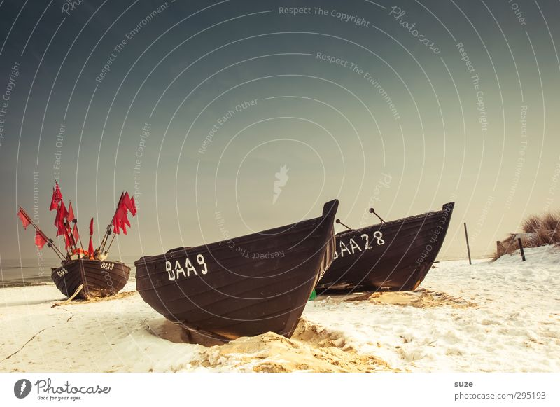 Een, twej, een twej, drej Calm Beach Ocean Island Winter Snow Environment Nature Landscape Elements Sand Sky Cloudless sky Horizon Coast Baltic Sea Fishing boat