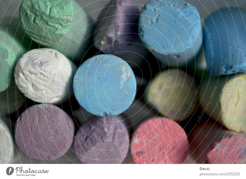 chalk Leisure and hobbies Playing Round Blue Multicoloured Yellow Green Violet Pink White crayon Chalk street chalk Many Bird's-eye view Second-hand