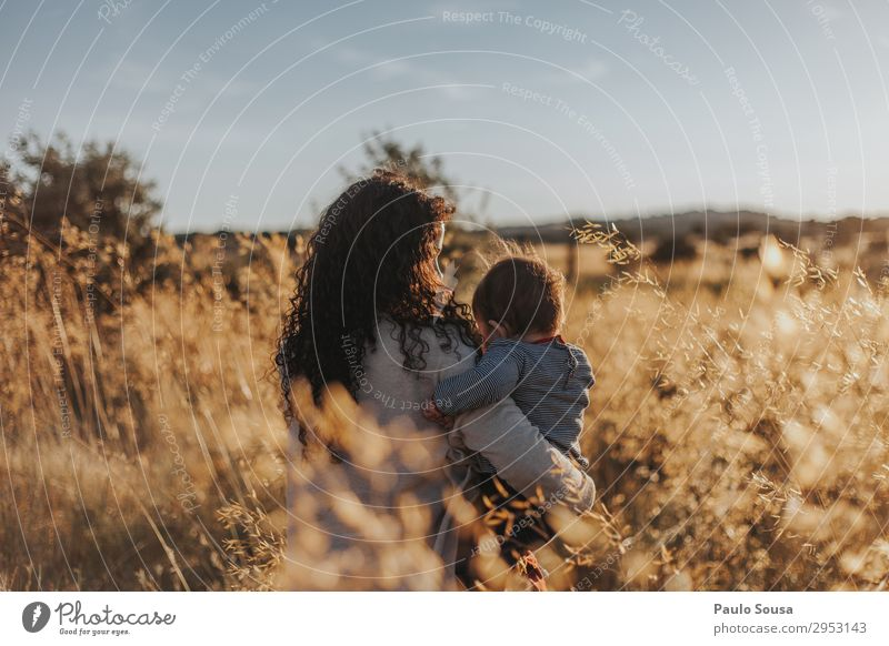 Mother holding Daughter Lifestyle Human being Feminine Child Baby Toddler Young woman Youth (Young adults) Adults 2 1 - 3 years 18 - 30 years Environment Nature