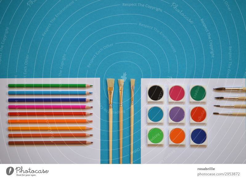 colorful painting utensils neatly lined up Leisure and hobbies Draw Painting (action, artwork) Painting and drawing (object) Picturesque Workplace Closing time