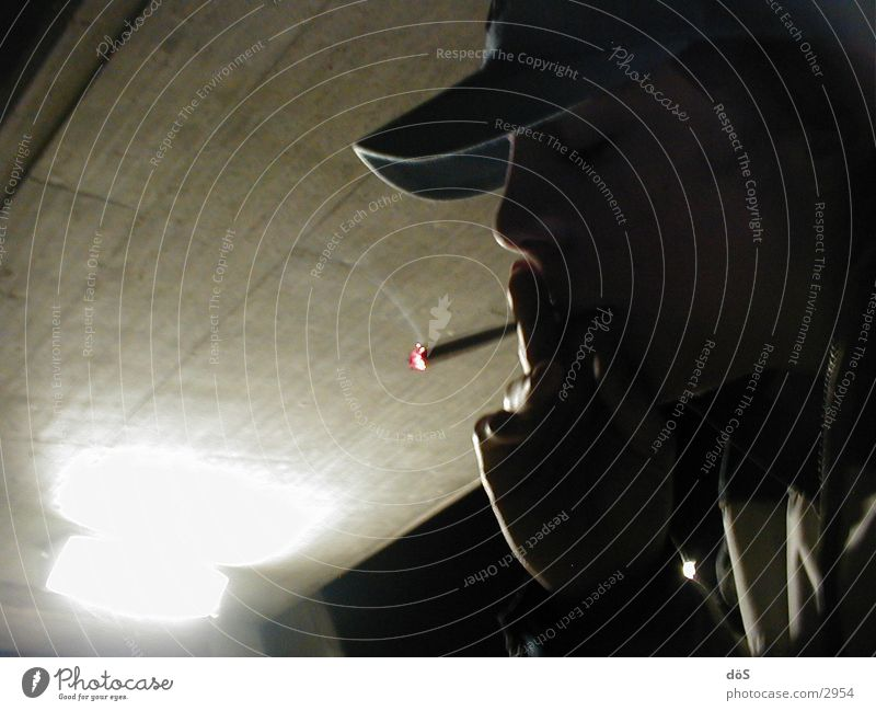 consumption02 Illegal Club Smoking