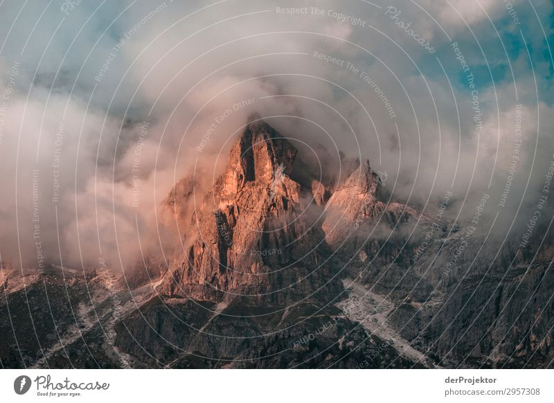 Wrapped mountain in the Dolomites Panorama (View) Long shot Deep depth of field Sunrise Sunbeam Sunlight Light (Natural Phenomenon) Contrast Dawn Day Shadow