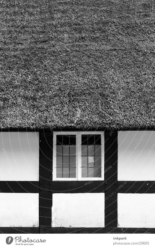 Old Window Wood Historic Straw Half-timbered facade Reet roof