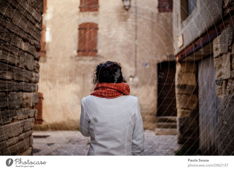 Woman walking in streets Provence Lifestyle Vacation & Travel Tourism Trip Human being Feminine Young woman Youth (Young adults) 1 18 - 30 years Adults France