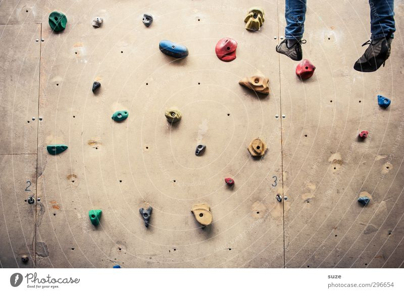 With trapped, with hung. Lifestyle Joy Leisure and hobbies Sports Climbing Mountaineering Rope Human being Legs Feet Wall (barrier) Wall (building) Footwear