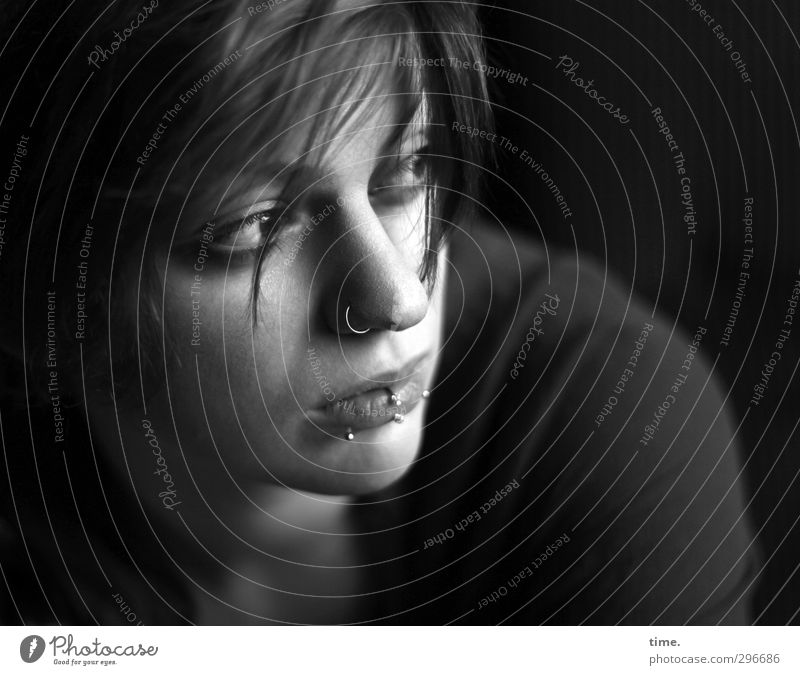 Human being Beautiful Loneliness Calm Feminine Hair and hairstyles Meditative Observe Longing Concentrate Jewellery Watchfulness Piercing Inspiration Caution