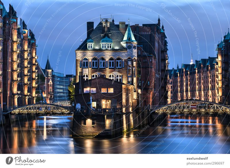 City Calm Architecture Building Germany Europe Hamburg Bridge Manmade structures Tradition Tourist Attraction Industrial plant Port City Old warehouse district