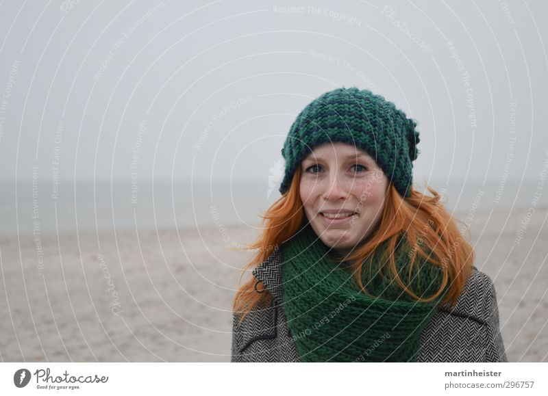 Woman Nature Youth (Young adults) Ocean Joy Beach Young woman Adults Feminine 18 - 30 years Cap Baltic Sea Irritation Red-haired Amazed Marvel