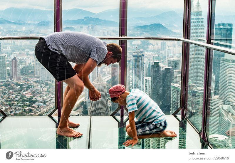 Child Human being Vacation & Travel Man Town Hand Far-off places Legs Adults Family & Relations Boy (child) Tourism Exceptional Freedom Trip High-rise
