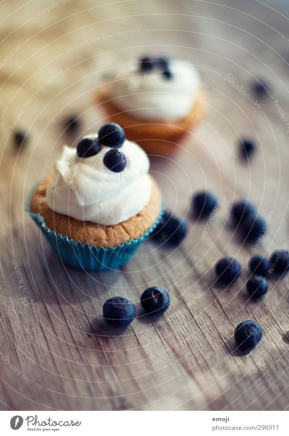 Fruit Nutrition Sweet Delicious Candy Picnic Dessert Cream Muffin Finger food Blueberry Cupcake