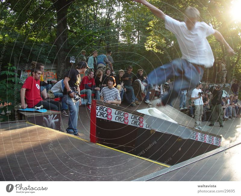 Sun Sports Skateboarding Audience Halfpipe Ramp Extreme sports