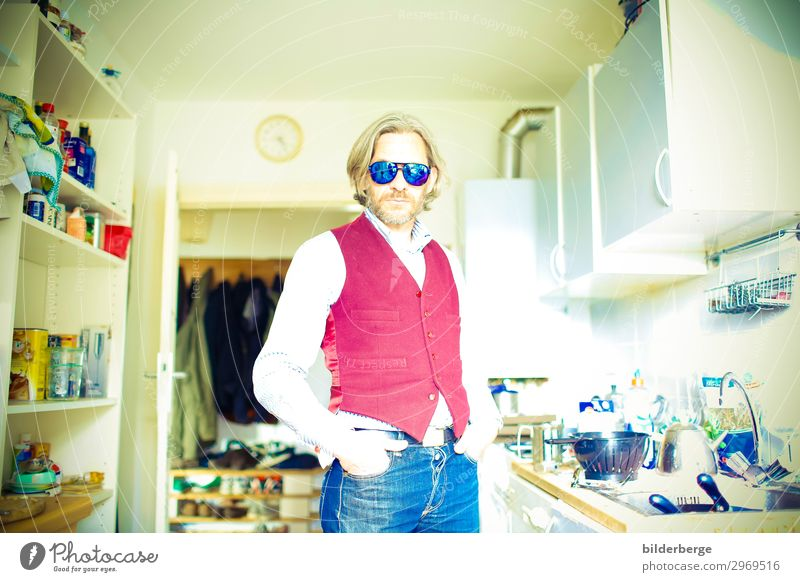 Man Old Lifestyle Adults Fashion Hair and hairstyles Living or residing Flat (apartment) Masculine Cool (slang) Kitchen Hip & trendy Jeans Facial hair Shirt