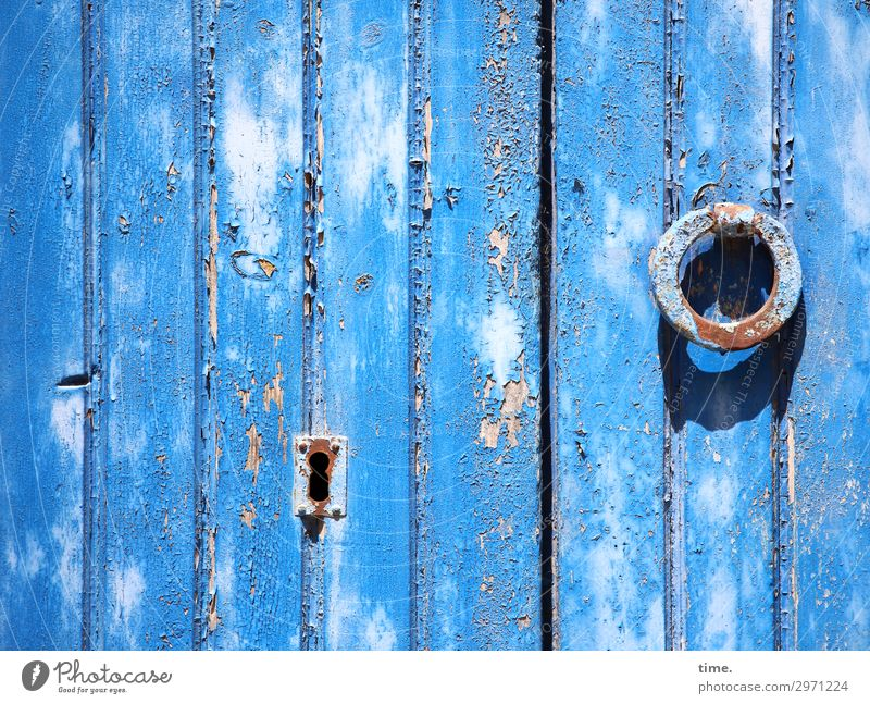 Entrees (30) Keyhole daylight locked too Wood Metal Entrance door Hardware Trashy Old lines perpendicular shack Hut Flake sunny Shadow knocking ring oldstyle