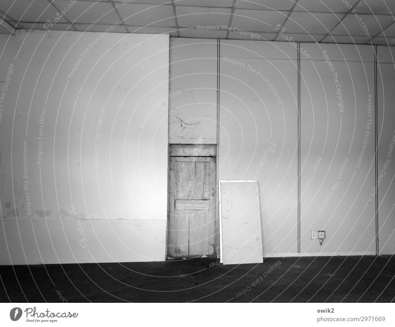 Ready to move in Wall (barrier) Wall (building) Door Room Gloomy Empty Vacancy Socket Black & white photo Interior shot Deserted Copy Space left