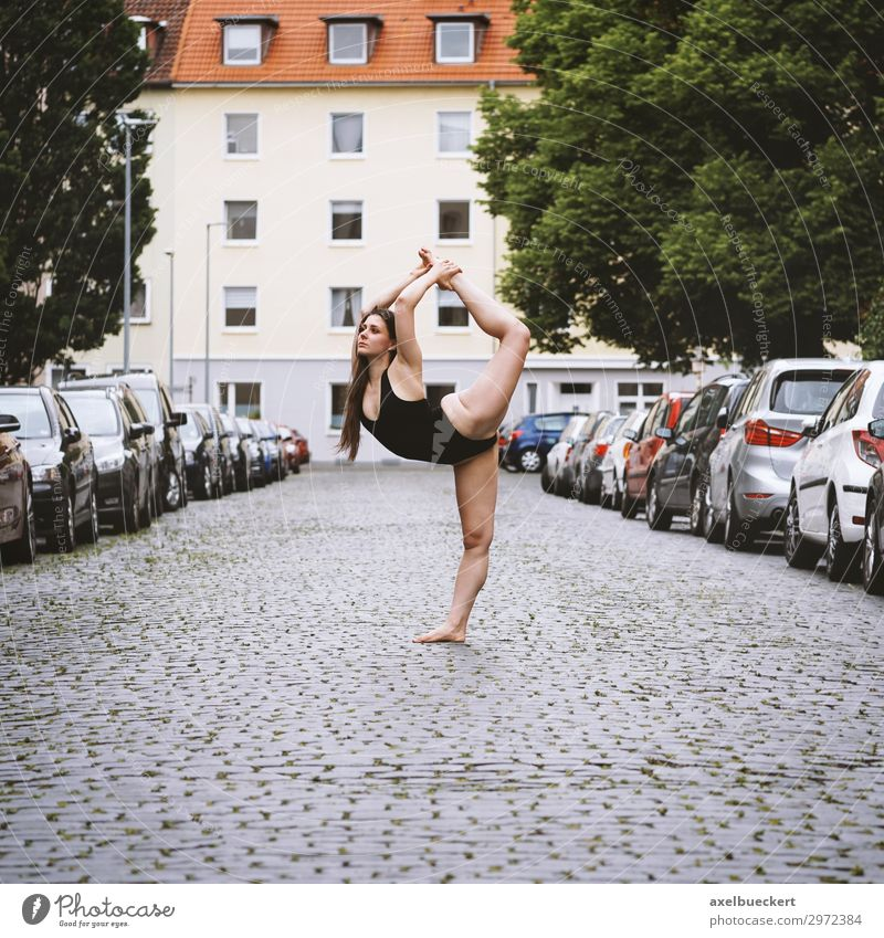 Streets - Ballerina Lifestyle Leisure and hobbies Sports Fitness Sports Training Sportsperson Yoga Dance Human being Feminine Young woman Youth (Young adults)