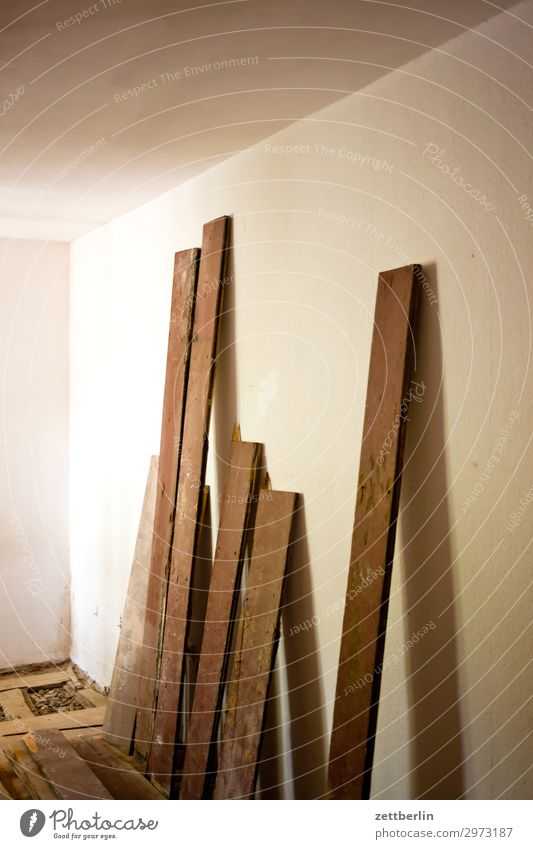 Wood Wall (building) Copy Space Wall (barrier) Living or residing Flat (apartment) Room Stand Construction site Wooden board Material Hallway Redecorate