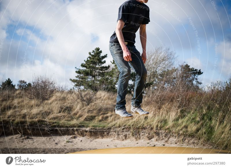 Rømø | Størtebeker Joy Leisure and hobbies Playing Sports Human being Masculine Young man Youth (Young adults) Man Adults 1 18 - 30 years Jump Fear of flying