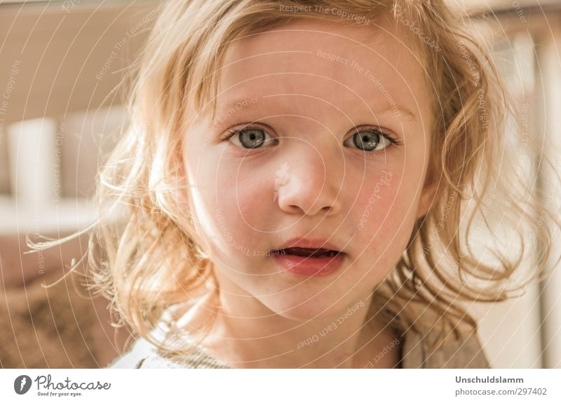 Human being Child Beautiful Girl Face Emotions Happy Bright Infancy Contentment Authentic Smiling Happiness Communicate Cute Uniqueness