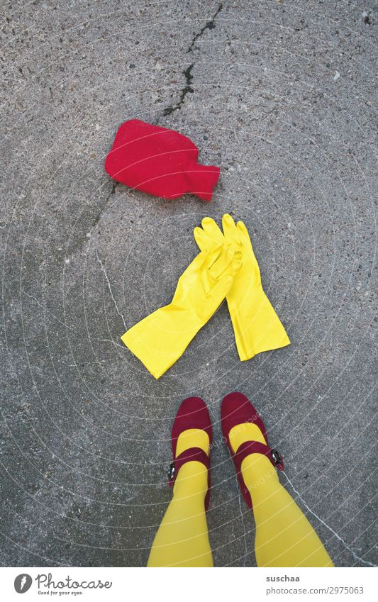 Woman Red Winter Street Legs Warmth Yellow Cold Living or residing Dirty Cleaning Mother Asphalt Whimsical Strange Gloves