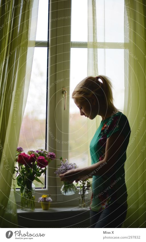 On Mother's Day Decoration Valentine's Day Woman Adults 1 Human being 18 - 30 years Youth (Young adults) Spring Flower Blossom Window Blonde Blossoming