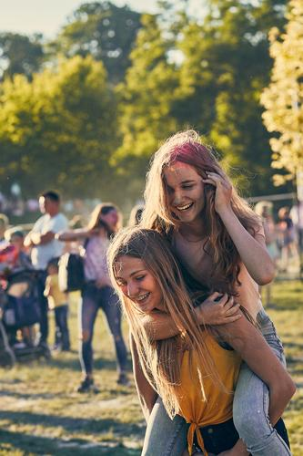 Portrait of happy young girls on holi color festival Lifestyle Style Joy Happy Beautiful Relaxation Vacation & Travel Summer Summer vacation Decoration