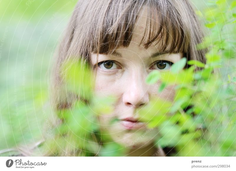 Human being Woman Youth (Young adults) Green Young woman Adults Feminine 18 - 30 years Head Natural Brown Bushes Friendliness