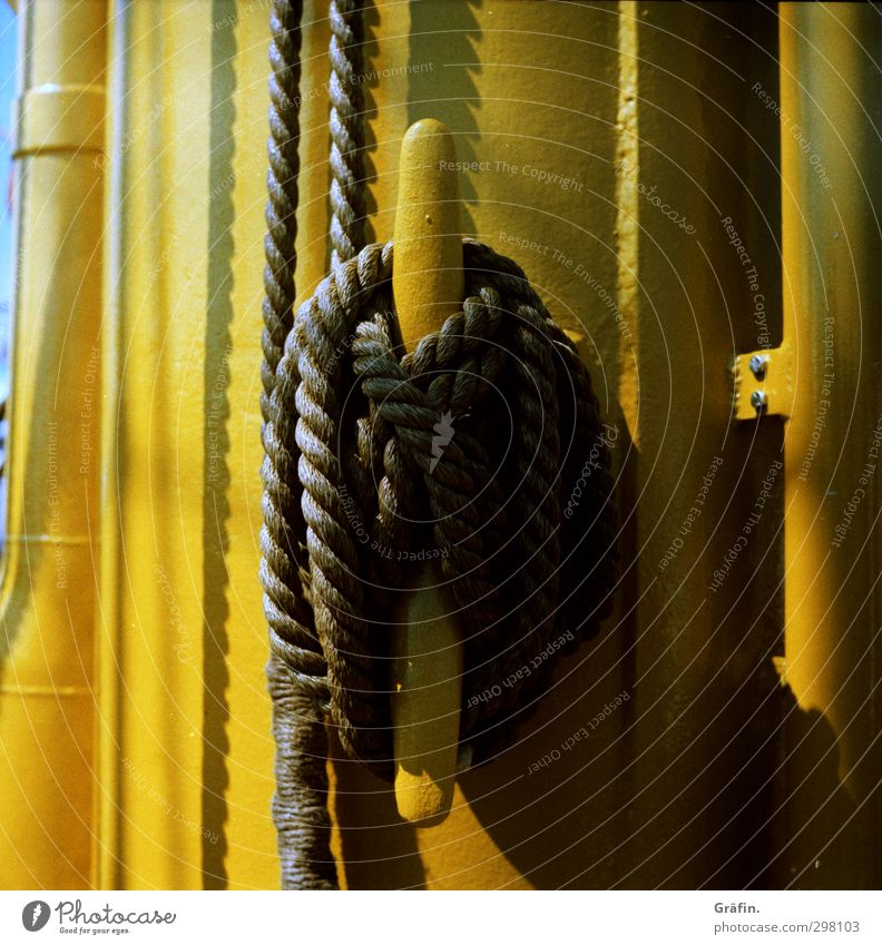 Well secured Tourism Cruise Navigation Boating trip Sailing ship Metal Knot To hold on Yellow Black Stress Logistics Rope Mast Rigging Colour photo